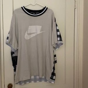 NWT Nike gray and white loose fit tee size: XXL